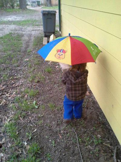 Hoot with umbrella